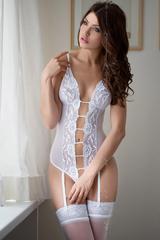 Боди с подвязками для чулок SoftLine Collection Tina белый, M/L